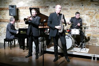 "Echoes of Swing - im Jazz-Club ""Schloss Koengen"" (30.10.2020)"