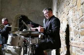 "Bernard Flegar (dr) - Echoes of Swing - im Jazz-Club ""Schloss Koengen"" (30.10.2020)"