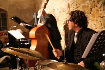 "Will Lindfors (dr) - AL CAT & the ROARING TIGERS -  White Christmas im Jazz-Club ""Schloss Köngen"" (16.12.2016)"