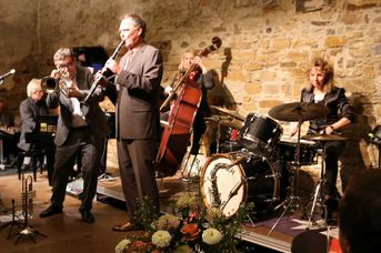 "- Iris Oettinger Swing Band - im Jazz-Club ""Schloss Köngen"" (25.01.2019)"