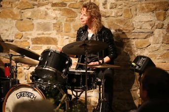 "Iris Oettinger (dr) - Iris Oettinger Swing Band - im Jazz-Club ""Schloss Köngen"" (25.01.2019)"
