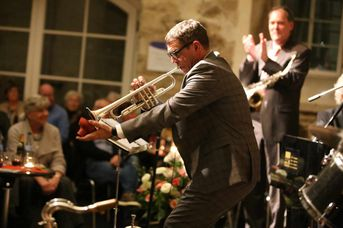 "Helmut Dold (tp, voc) - Iris Oettinger Swing Band - im Jazz-Club ""Schloss Köngen"" (25.01.2019)"