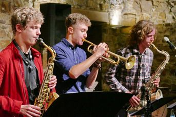 "Jakob Manz (as) - Jakob Bänsch (tp, bl, arr) - Lukas Wögler (ts) - Jacob Bänsch Collective - im Jazz-Club ""Schloss Koengen"" (25.09.2020)"