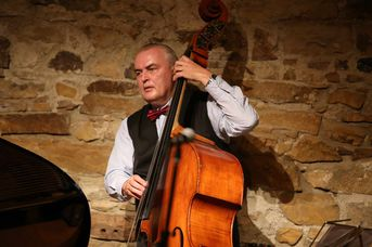 "Ferene Gayer (kb, ld) - Budapest Ragtime Band im Jazz-Club ""Schloss Koengen"" (23.09.2016)"