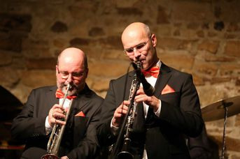 "Eric Biank (tp), Achim Bohlender (cl) - Old Fashion Jazzband - im Jazz-Club ""Schloss Köngen"" (14.12.2018)"