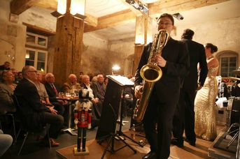 "Pierre Paquette (bars) - AL CAT & the ROARING TIGERS -  White Christmas im Jazz-Club ""Schloss Köngen"" (16.12.2016)"