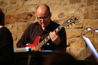 "Martin Wiedmann (git) - VOICE and VIBES - Blue Hours - im Jazz-Club ""Schloss Köngen"" (24.02.2017)"