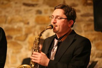 "Pierre Paquette (as) - AL CAT & the ROARING TIGERS - White Christmas im Jazz-Club ""Schloss Köngen"" (16.12.2016)"