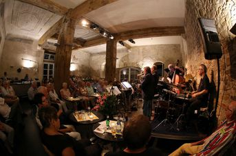 "Konzertbesucher - Woodhouse - feat. Miëtt Molnar - im Jazz-Club ""Schloss Köngen"" (13.07.2018)"
