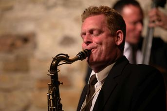 "Patrick Braun (ts) - The Toughest Tenors - im Jazz-Club ""Schloss Koengen"" (25.10.2019)"
