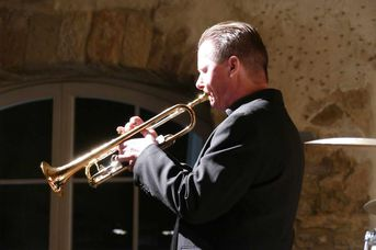 "Colin T. Dawson (tp) - Echoes of Swing - im Jazz-Club ""Schloss Koengen"" (30.10.2020)"