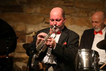 "Eric Biank (tp, voc) - Old Fashion Jazzband - im Jazz-Club ""Schloss Köngen"" (14.12.2018)"