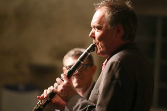 "Frank Roberscheuten (as, ts, cl) - Iris Oettinger Swing Band - im Jazz-Club ""Schloss Köngen"" (25.01.2019)"